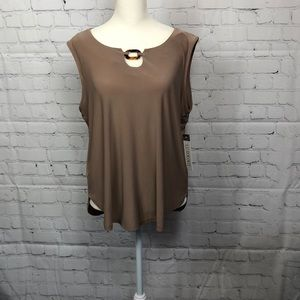🎈Luxology top, size large, color tan